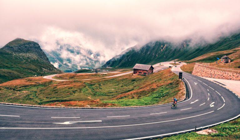 road-3644915_1920